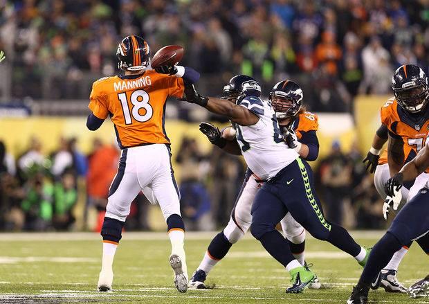 Peyton Manning under press