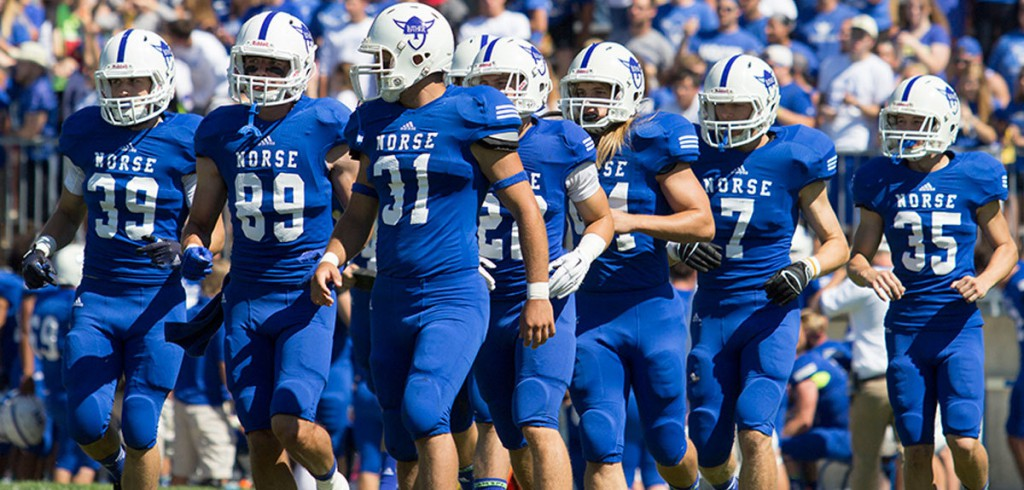 Luther College Norse entering field