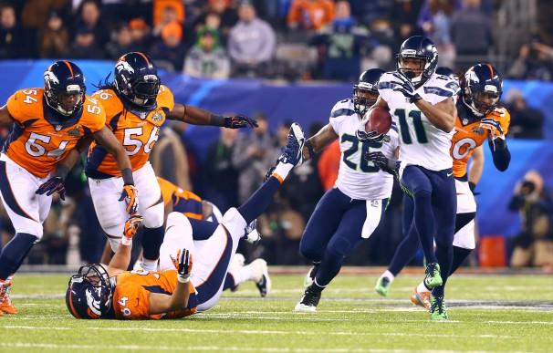 Dette bildet er fra den forrige Super Bowl kampen. Ligaen har gått en lang vei for å komme dit den er i dag.